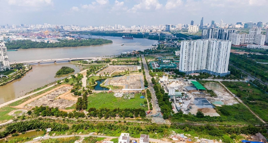 Ho Chi Minh City real estate developers request help to resume projects